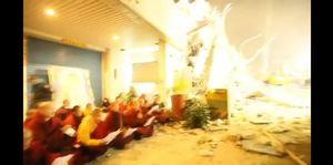 Carrera por salvar a atrapados entre escombros tras terremoto en Taiwán