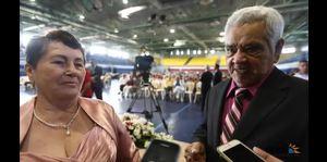 Anciano narra cómo salvo a su esposa
