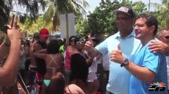 Pierluisi celebra 4 de julio en playa Seven Seas