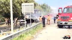 Carro en llamas en la PR-52