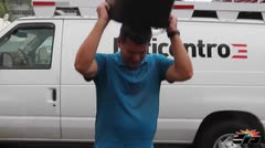 Pierluisi acepta reto del cubo de agua