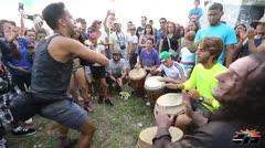 Fiestas de arte, música y comunidad en la Calle Loíza