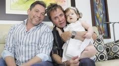 Ivanna Sofía y sus dos papás