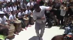 Ricky Martin baila bomba