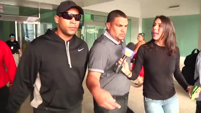 Don Omar llega a Puerto Rico sin emitir declaraciones