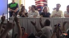 Vítores y gritos en la Convención del PNP