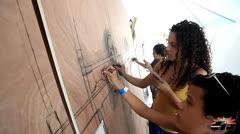 Grafiteros realizan su arte en vivo en R�o Piedras