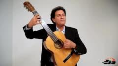 Felito Félix le canta al amor