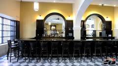 Un restaurante y una antig�edad en Viejo San Juan