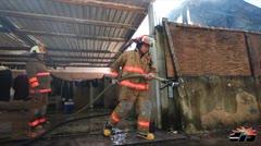 Bomberos contienen incendio en Santurce