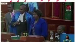 Se forma motín dentro de parlamento en Kenia