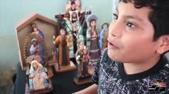 Niño de 9 años talla santos en Orocovis