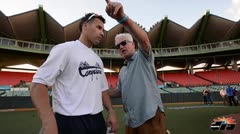 Joe Maddon visita a Javier Báez